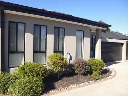 2/17 Kimberley Drive, Chirnside Park 3116, VIC Townhouse Photo