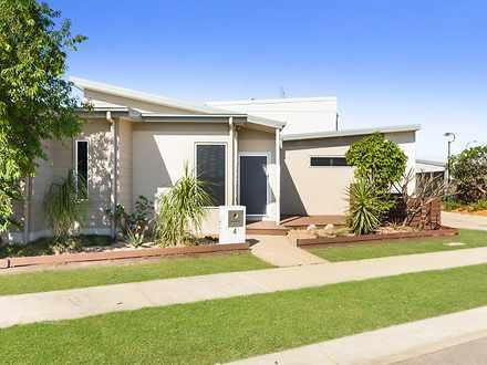 4 Holyoak Avenue, Oonoonba 4811, QLD House Photo
