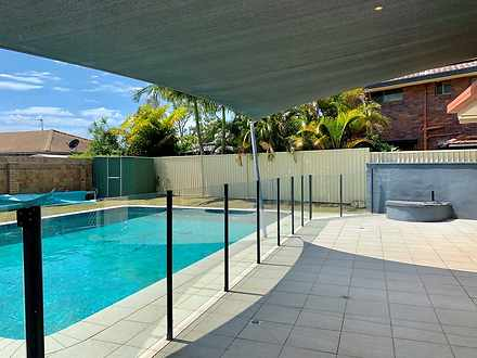 6 Haslewood Court, Mermaid Waters 4218, QLD House Photo
