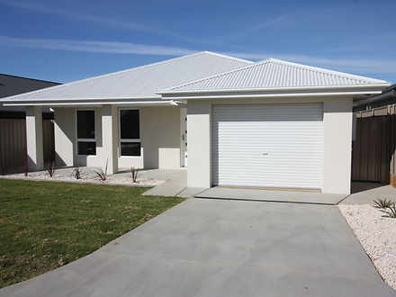 15/124 Mima Street, Glenfield Park 2650, NSW Villa Photo
