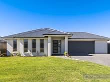 House - 10 Water Street, Fern Bay 2295, NSW