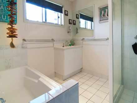 Bathroom 1473220564 thumbnail