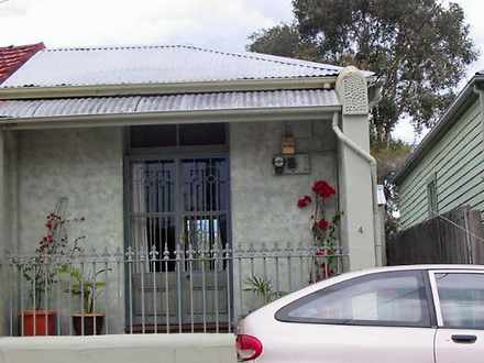 House - 4 Walter Street, Le...