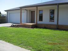 House - 10 Eaton Place, Paynesville 3880, VIC