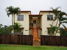 Unit - UNIT 1/2 Thurles, Tully 4854, QLD