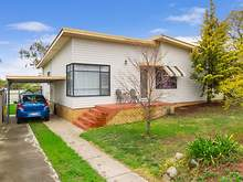 House - 37 Hillvue Road, Tamworth 2340, NSW