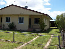 Unit - UNIT 2/96 Old Tully Road, Tully 4854, QLD