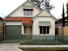 House - 10 Saunders Street, Coburg 3058, VIC