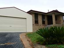 House - 34 Monkhouse Drive, Endeavour Hills 3802, VIC