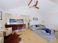 House - 39 Walnut Street, Wynnum 4178, QLD