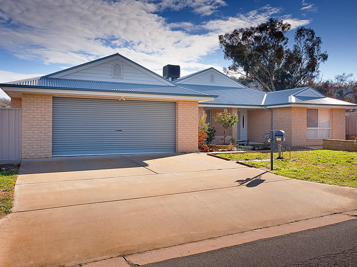 24436 23 kurrajong cres front2 1573082105 primary