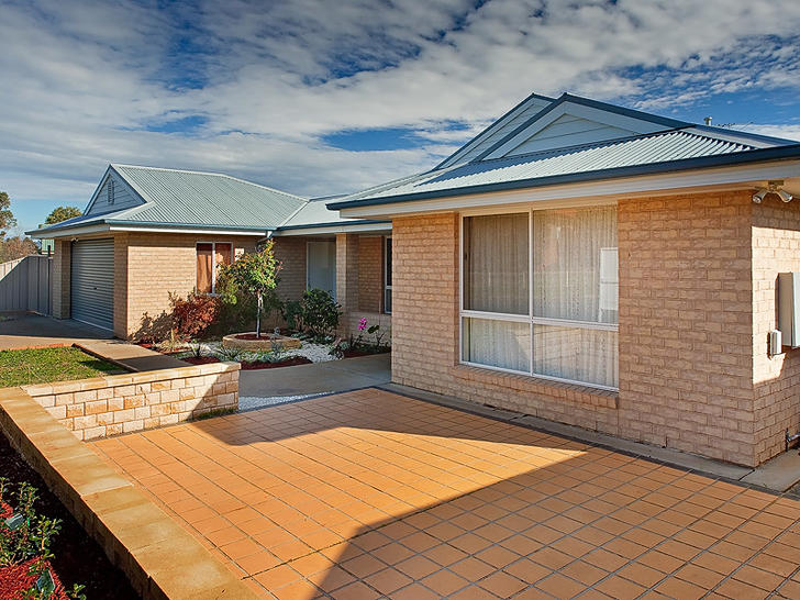 24341 23 kurrajong cres front1 1573082110 primary