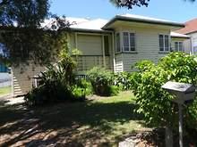 House - 2 Mountjoy Terrace, Wynnum 4178, QLD