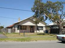 House - 30 St James Avenue, Springvale 3171, VIC