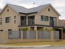 Townhouse - 133 Grand Promenade, Doubleview 6018, WA