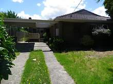 House - 1 Logan Street, Frankston 3199, VIC
