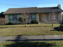 House - 4 Ann Street, Beaconsfield 3807, VIC
