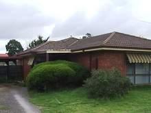 House - 19 Smoult Drive, Kurunjang 3337, VIC