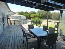 House - 5 Mist Street, Lakes Entrance 3909, VIC