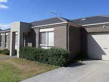 Townhouse - 1/3 Austin Place, Melton South 3338, VIC