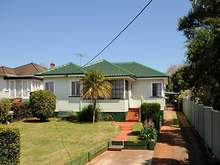 House - 25 Drayton Road, Harristown 4350, QLD