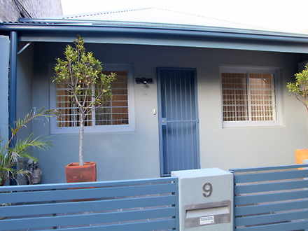 House - 9 Lyne Street, Alex...
