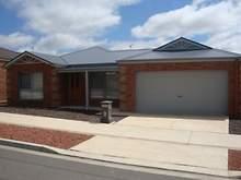 House - 10 Queen Street, Kangaroo Flat 3555, VIC