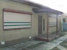 House - 2 Essex Crescent, C...