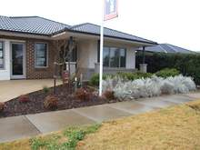 House - 16 Castletown Blv, Melton South 3338, VIC