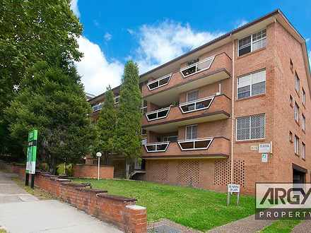 Apartment - Kitchener Stree...