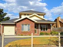 Townhouse - 18A Laurie Street, Newport 3015, VIC
