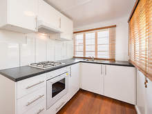 House - 33 Didsbury Street, East Brisbane 4169, QLD