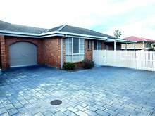 House - UNIT 4/5 Orme Street, Lakes Entrance 3909, VIC