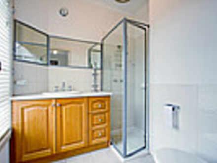 84106be9579fbaf0eb3f76a7 19931 weatherbyrd69doncaster bathroom 1585790163 thumbnail