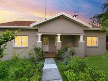 House - 4 Hillmont Avenue, Thornleigh 2120, NSW