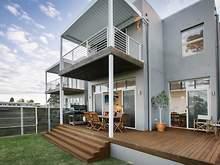 Terrace - 2/3 Seaview Terrace, Thirroul 2515, NSW