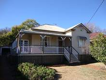 House - 10 Godfrey Street, East Toowoomba 4350, QLD