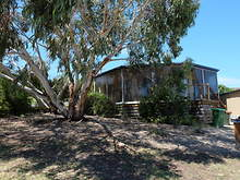 House - 1 Banksia Court, Lakes Entrance 3909, VIC