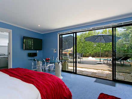 Apartment - Mornington 3931...