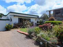 House - 45 Ocean View, Lakes Entrance 3909, VIC