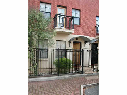Townhouse - 1/11-25 King St...