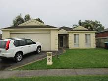 House - 4 Durack Avenue, Lynbrook 3975, VIC
