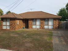 House - 33 Second Avenue, Melton South 3338, VIC
