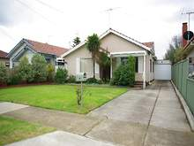 House - 4 Couch Street, Sunshine 3020, VIC