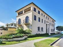 House - 31 Hedges Avenue, Mermaid Beach 4218, QLD
