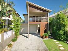 House - 801 Esplanade, Lota 4179, QLD