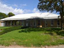 House - 33 Whiteside Road, Beaconsfield 3807, VIC