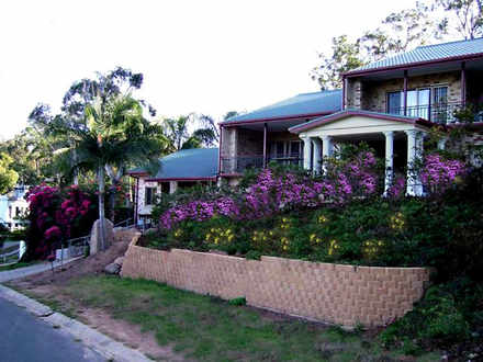House - 40 Robertson Street...
