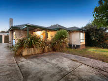 House - 62 Scoresby Road, Bayswater 3153, VIC