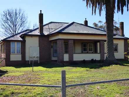 House - HILLSIDE West Jinda...